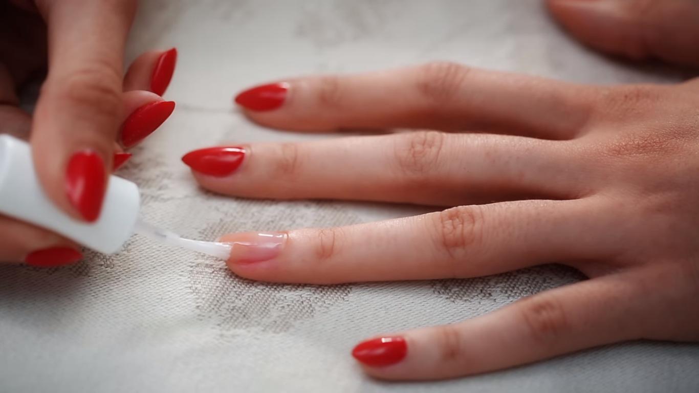 manicure.nail.repair